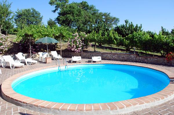 piscina-agriturismo-assisi